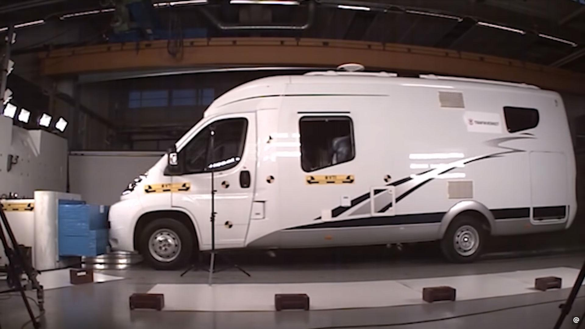 Campers in de crashtest