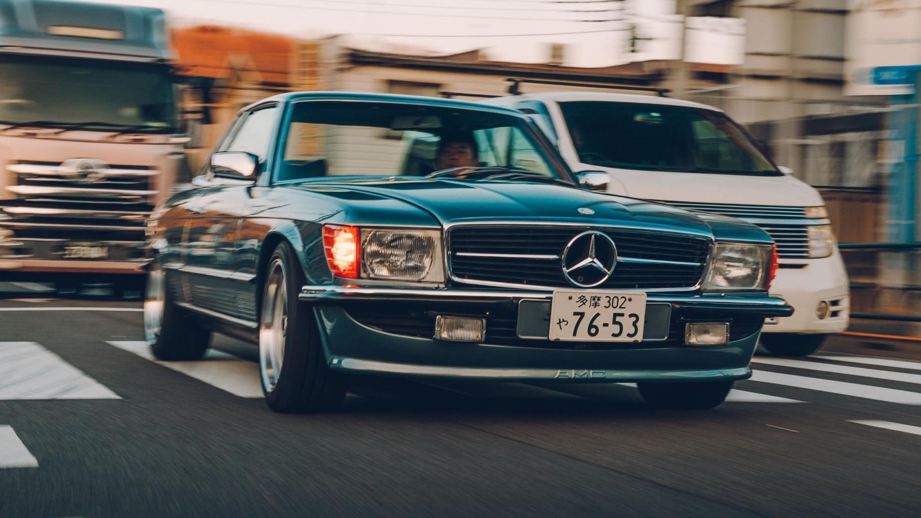 Mercedes 450 SLC met een Supra-motor