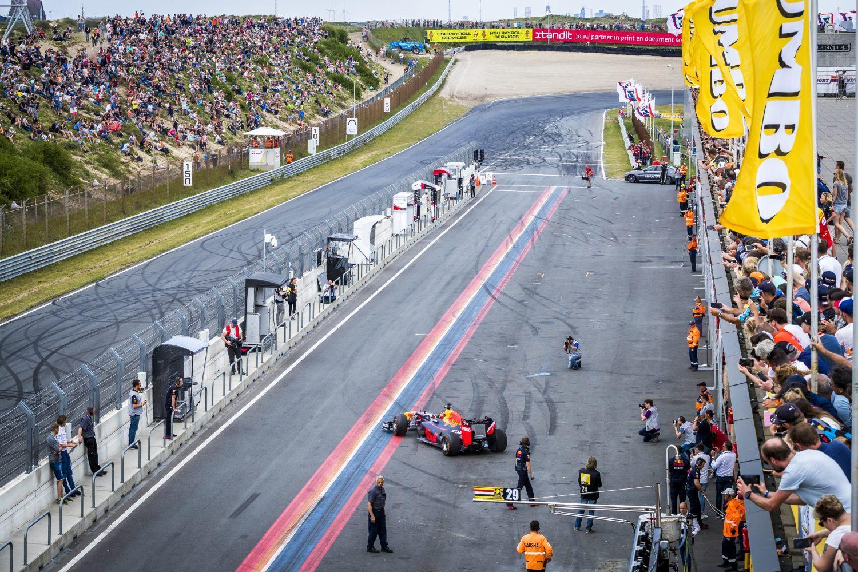 Red Bull Jumbo Racedagen F1 op Circuit Zandvoort
