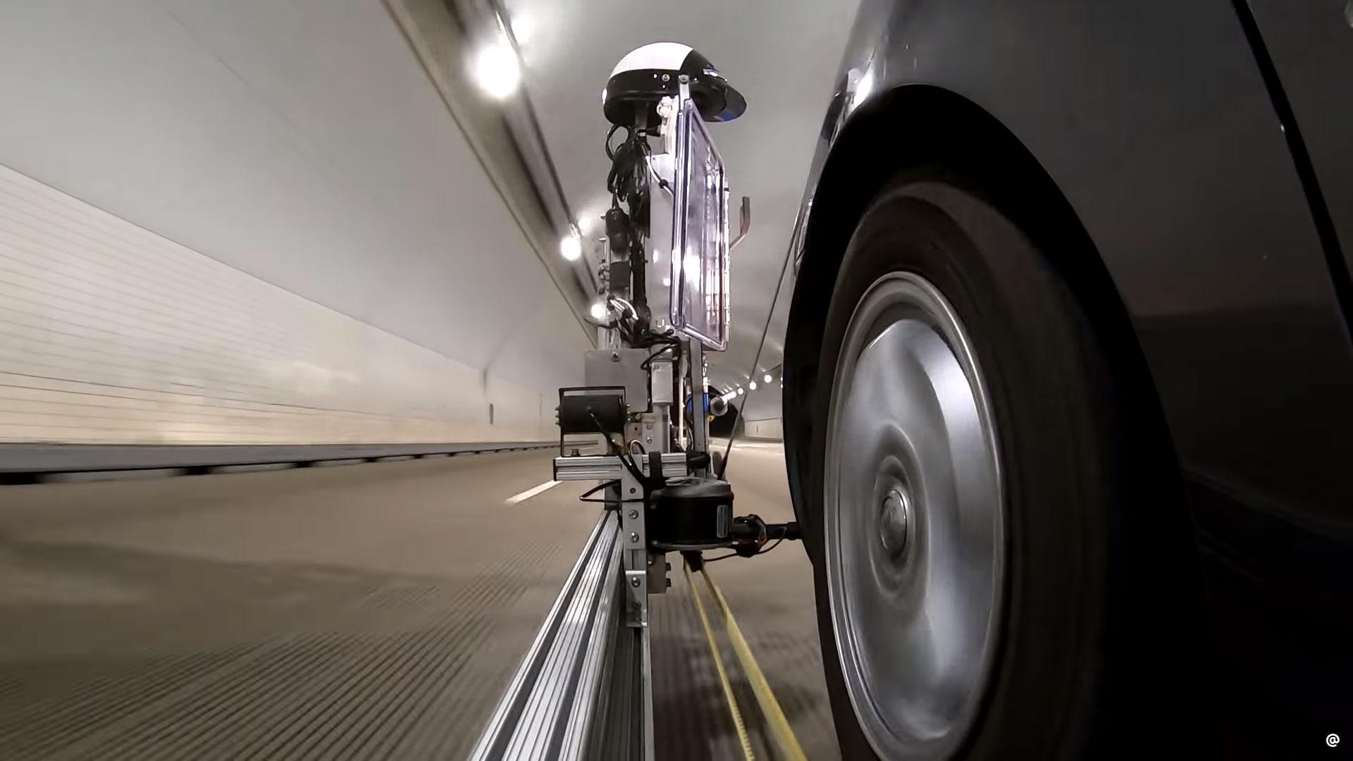 politie-robot doet de staandehoudingen