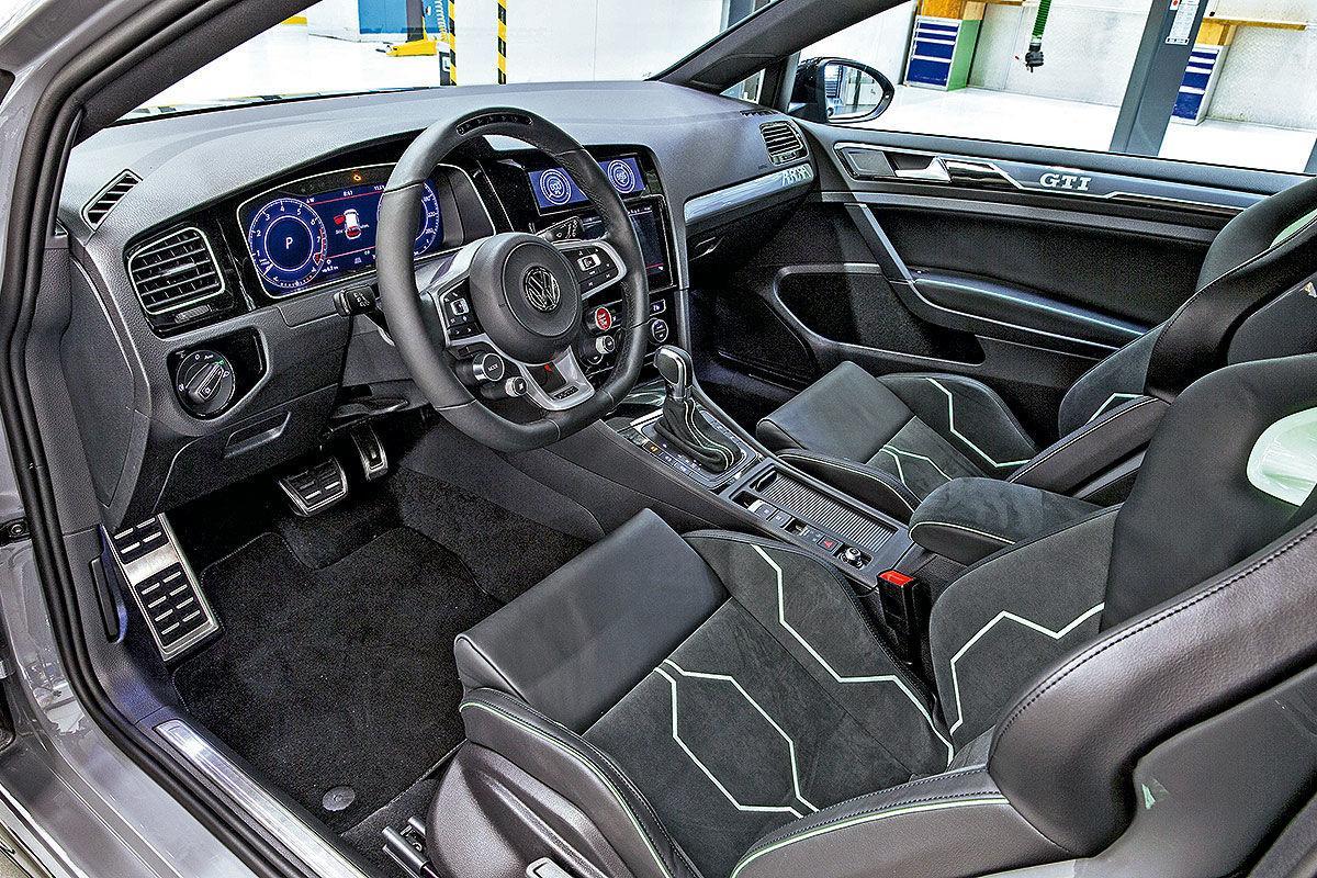 Volkswagen Golf GTI Aurora interieur