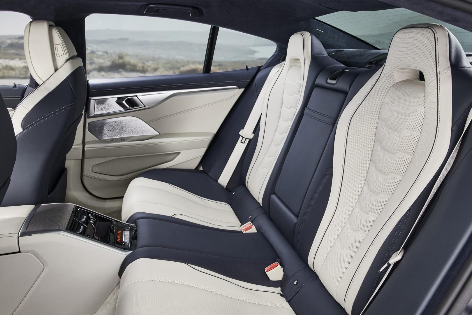 Achterbank van de BMW 8-serie gran coupe
