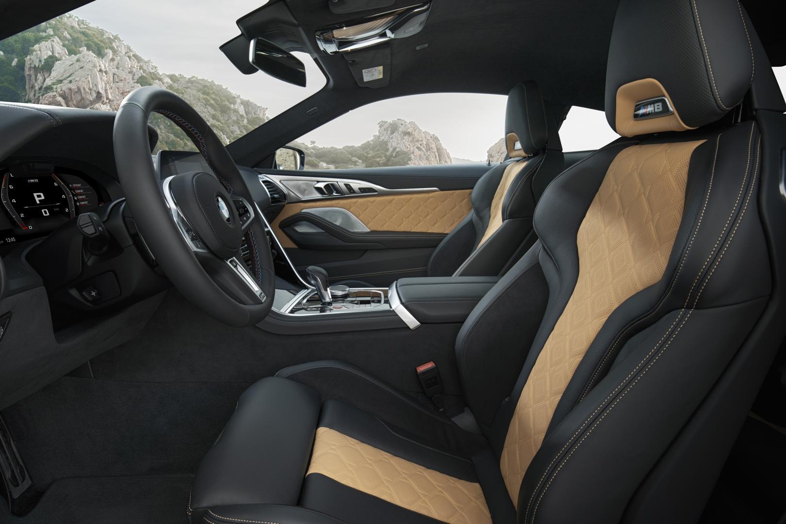BMW M8 interieur