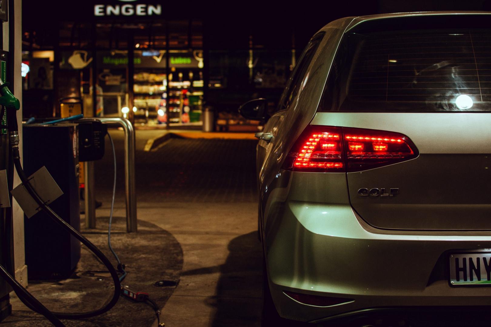 Volkswagen Golf Tanken Benzine
