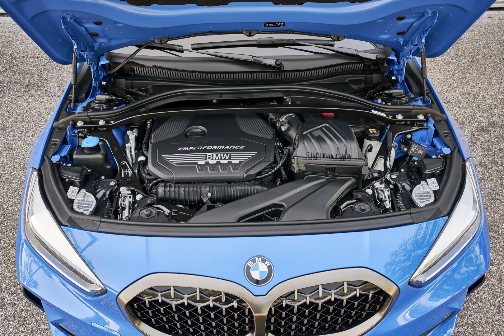 BMW M135i xDrive 2019 motor