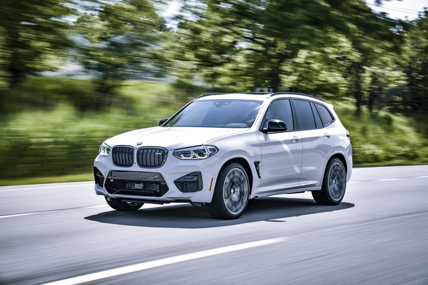 BMW X3 M rijder 3 4 voor
