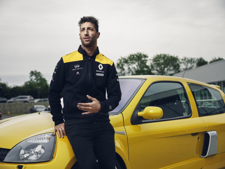 Daniel Ricciardo Renault Clio V6