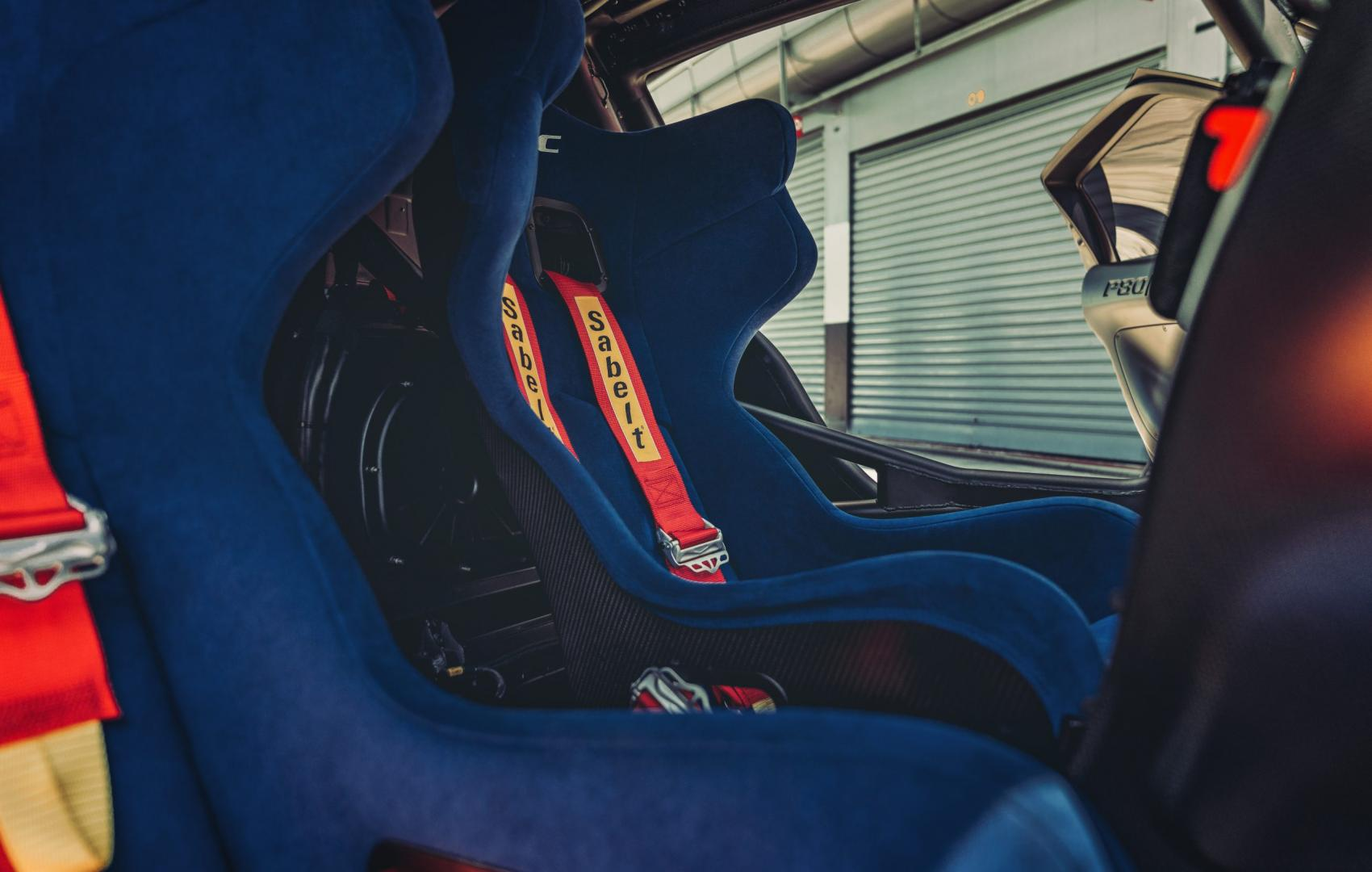 Ferrari P80/C stoelen