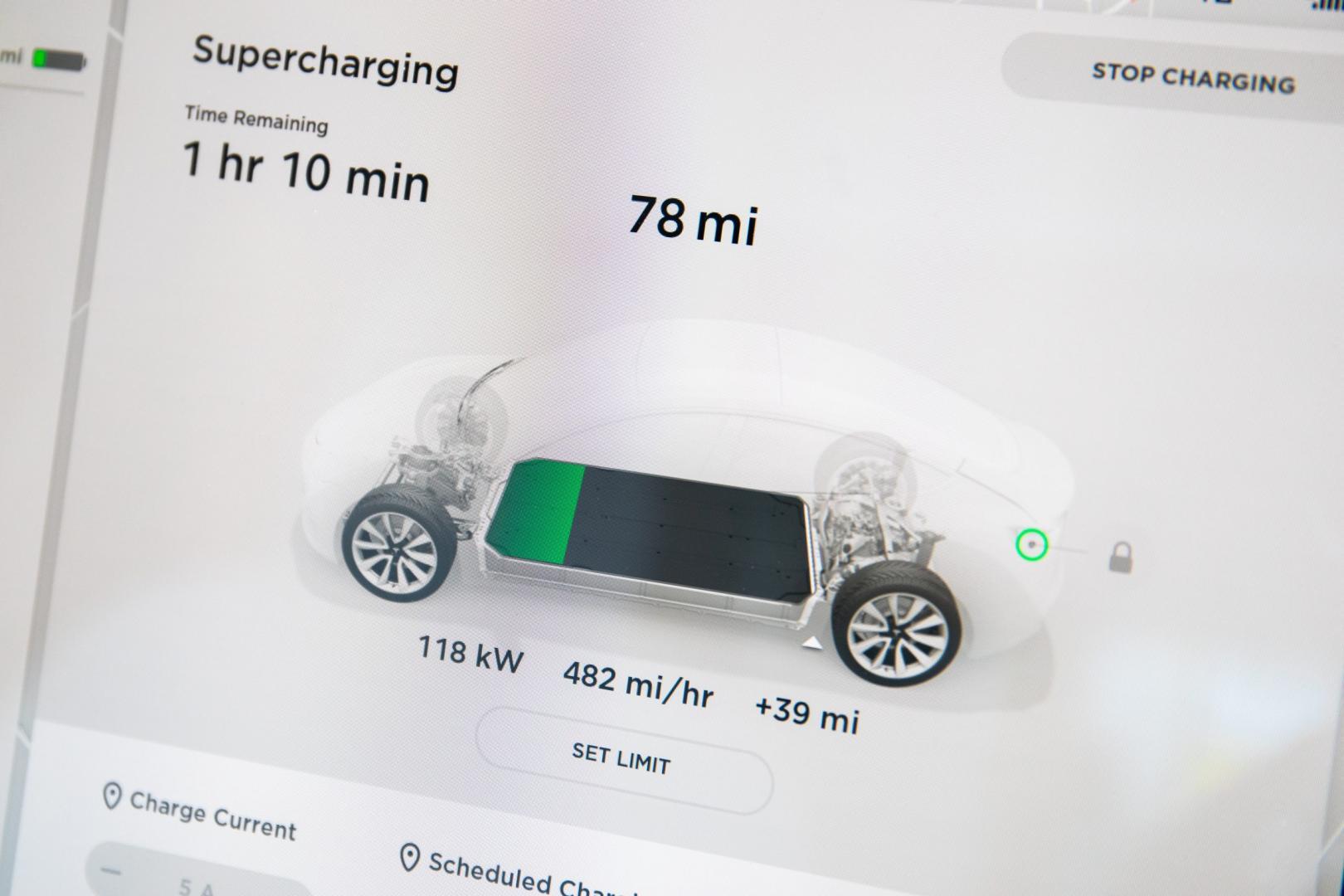 Tesla Model 3 detail scherm batterij
