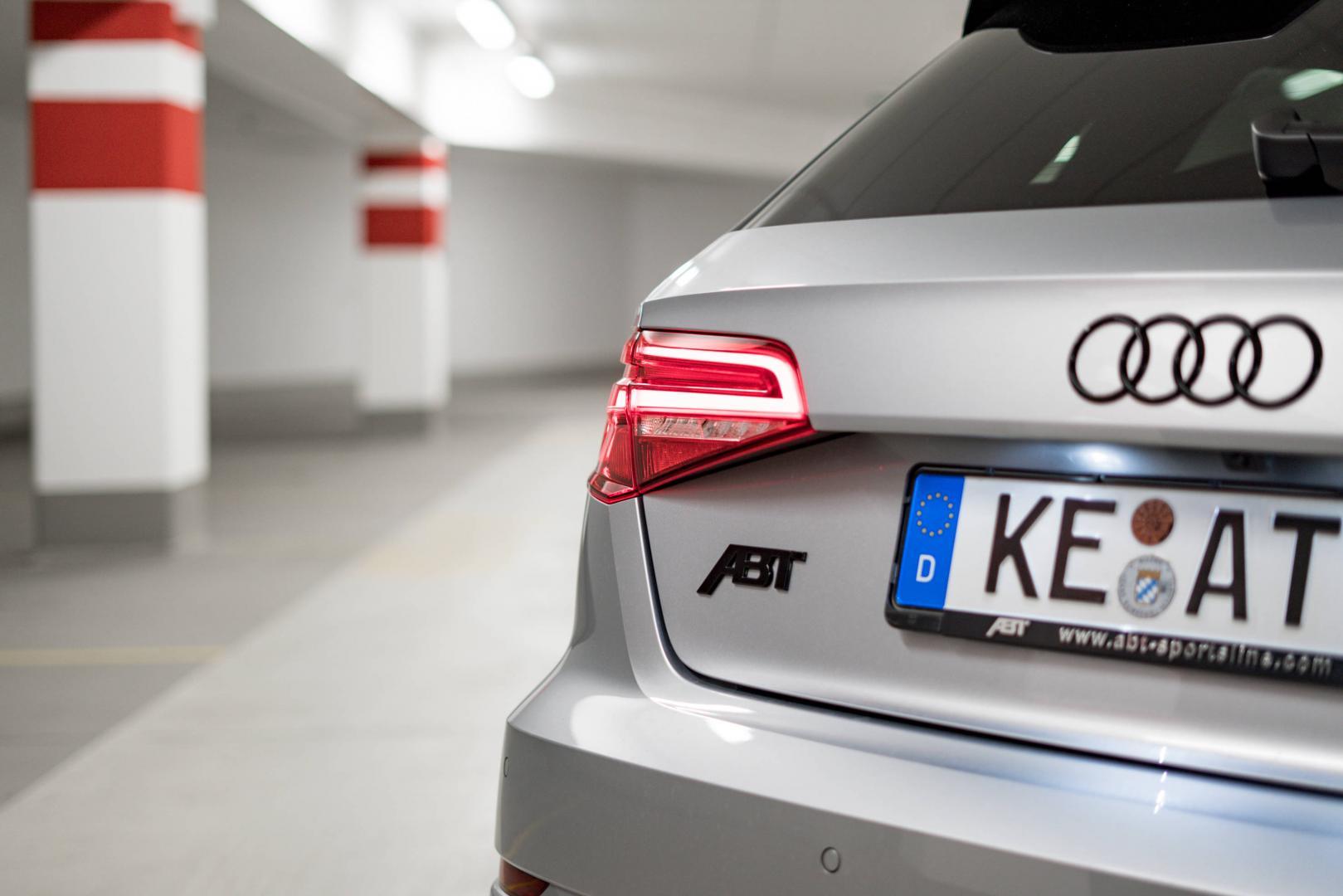 Abt Audi RS 3 logo achterlicht