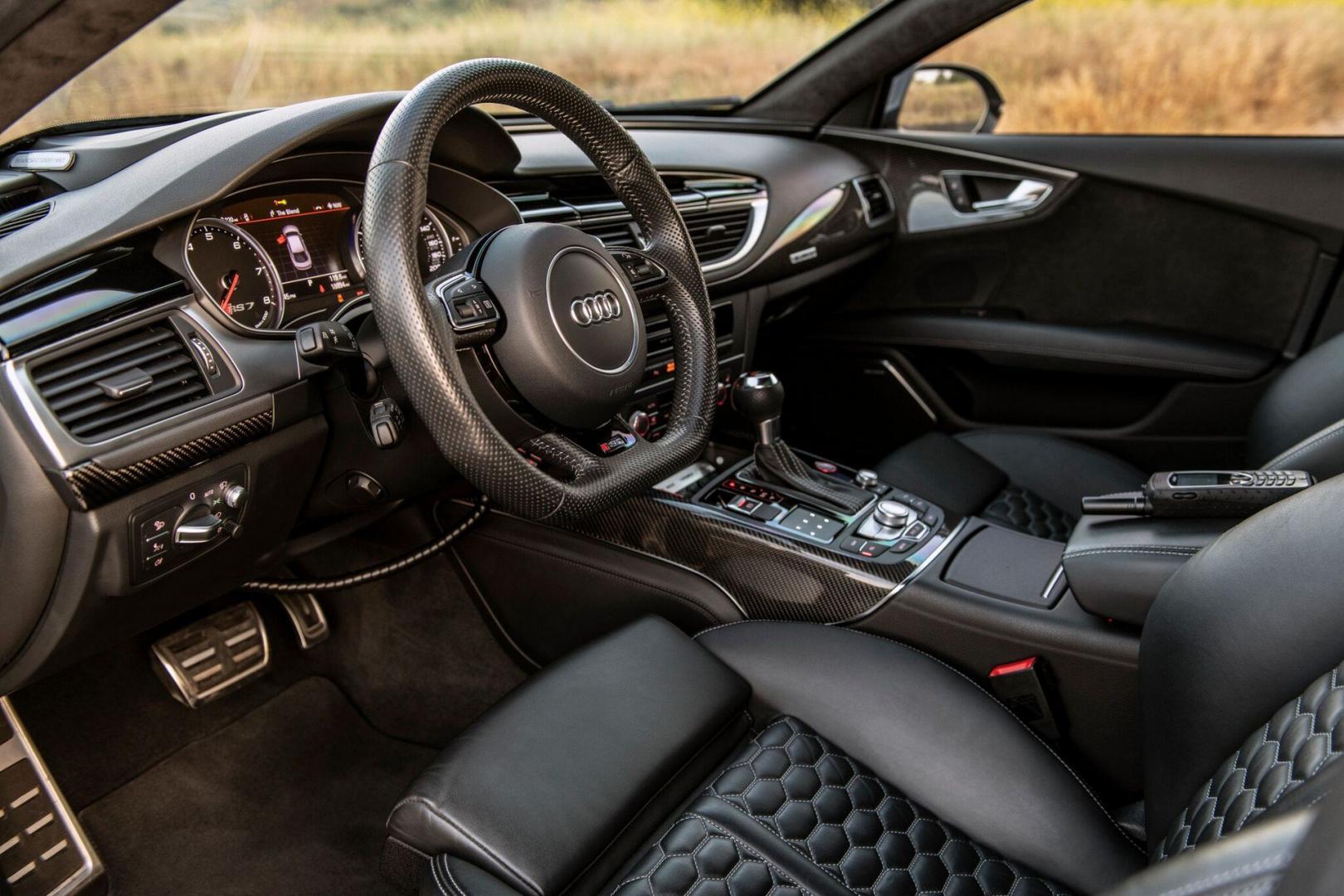 Gepantserde Audi RS 7 interieur
