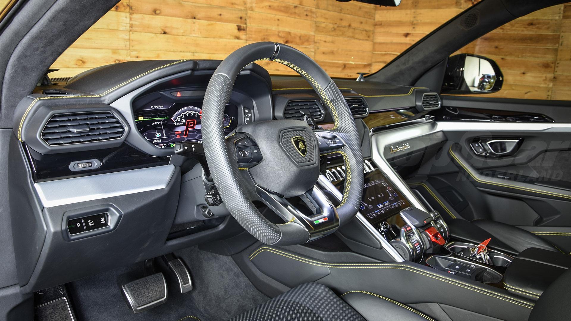 nieuwe auto van Hakim Ziyech Lamborghini Urus