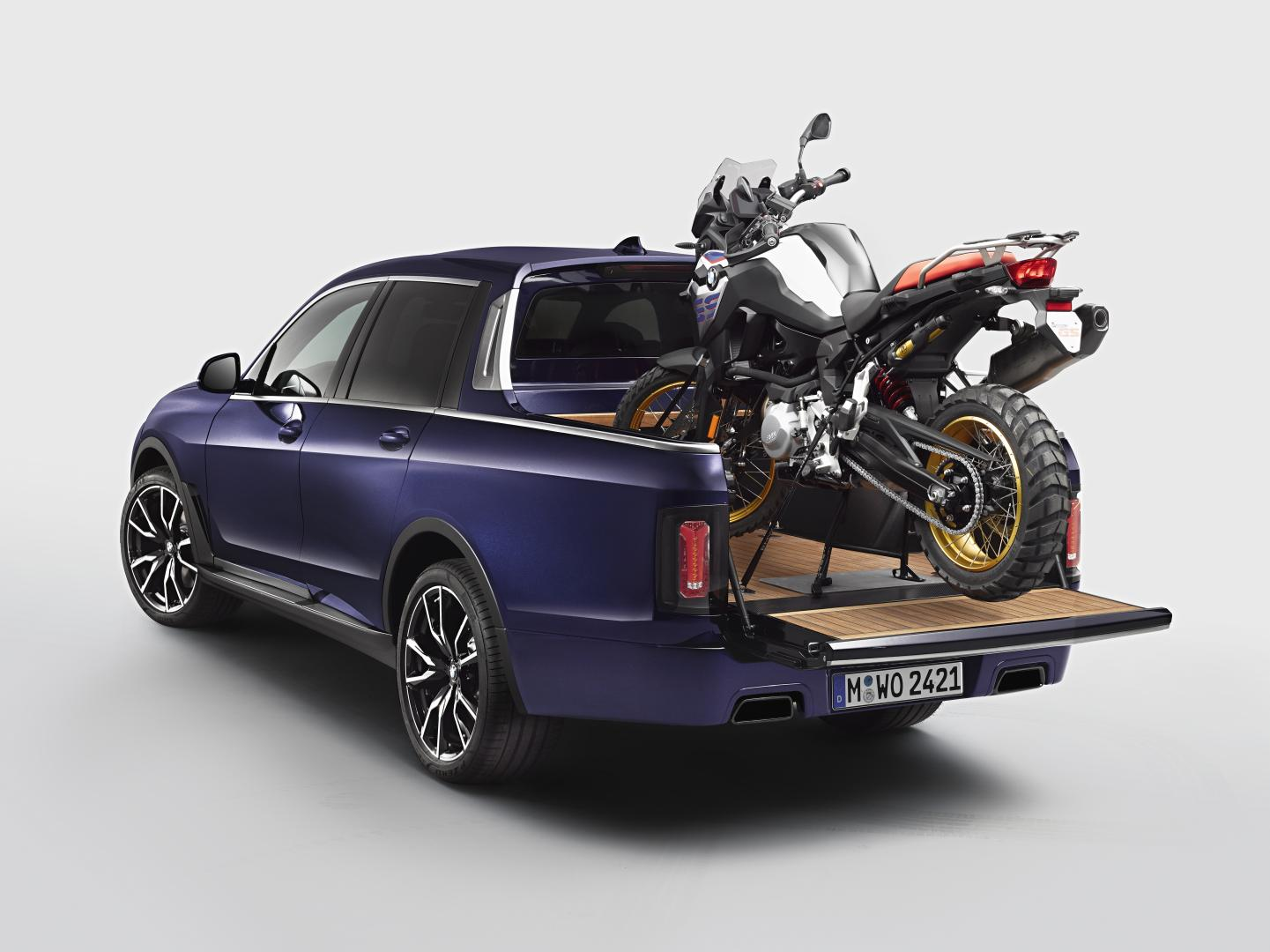 BMW F 850 GS en BMW X7 Pick-up