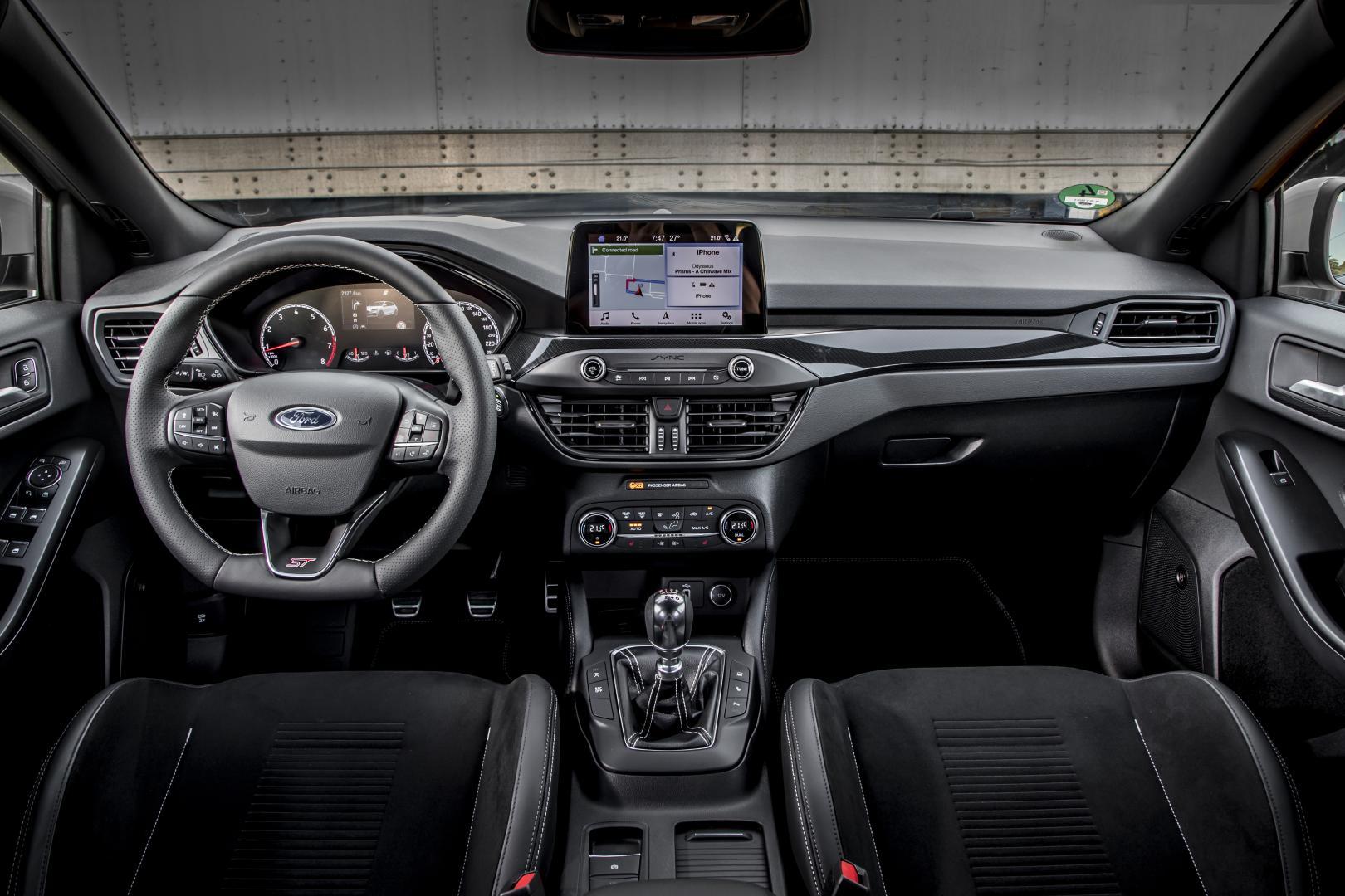 Ford Focus ST 2019 dashboard interieur