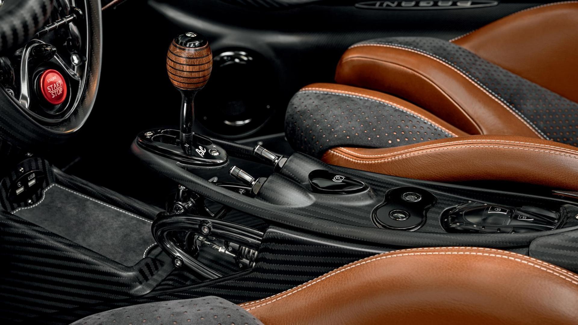Pagani Huayra Roadster BC automaat