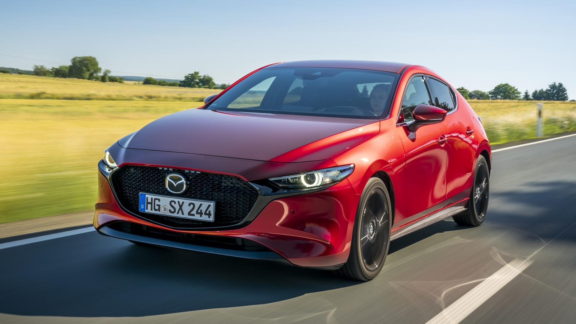 Mazda 3 skyactiv-x soul red