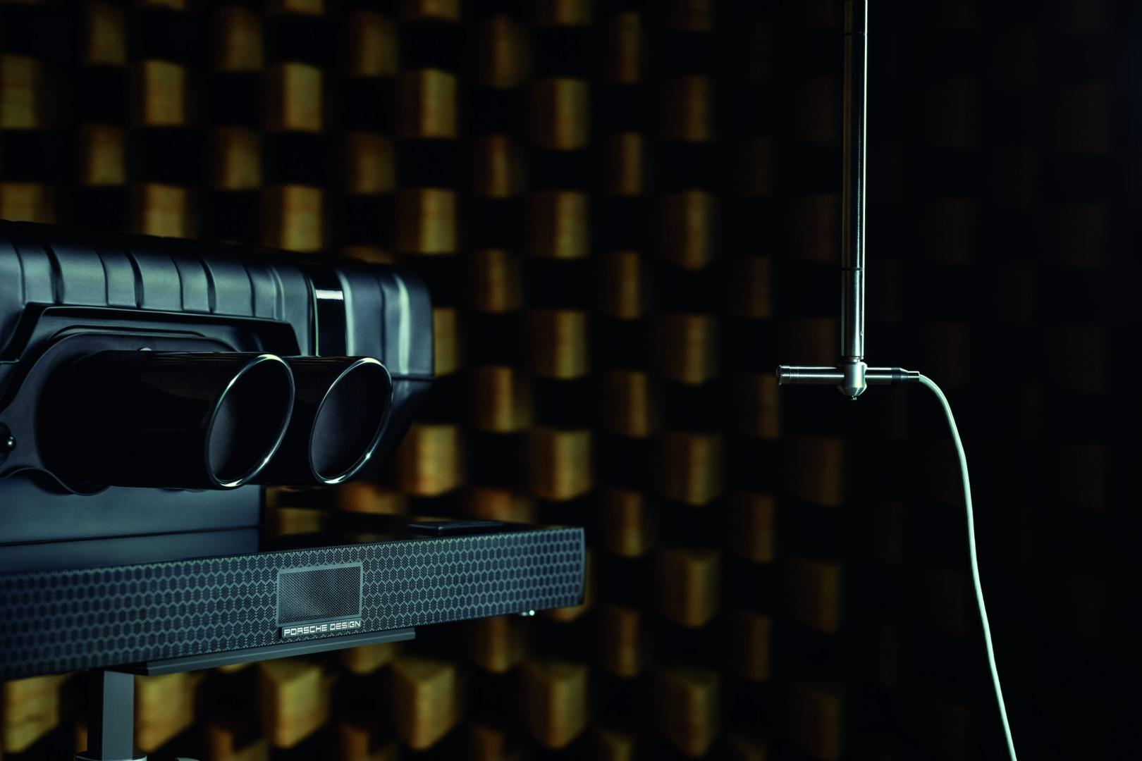 Porsche Design Soundbar Black Edition