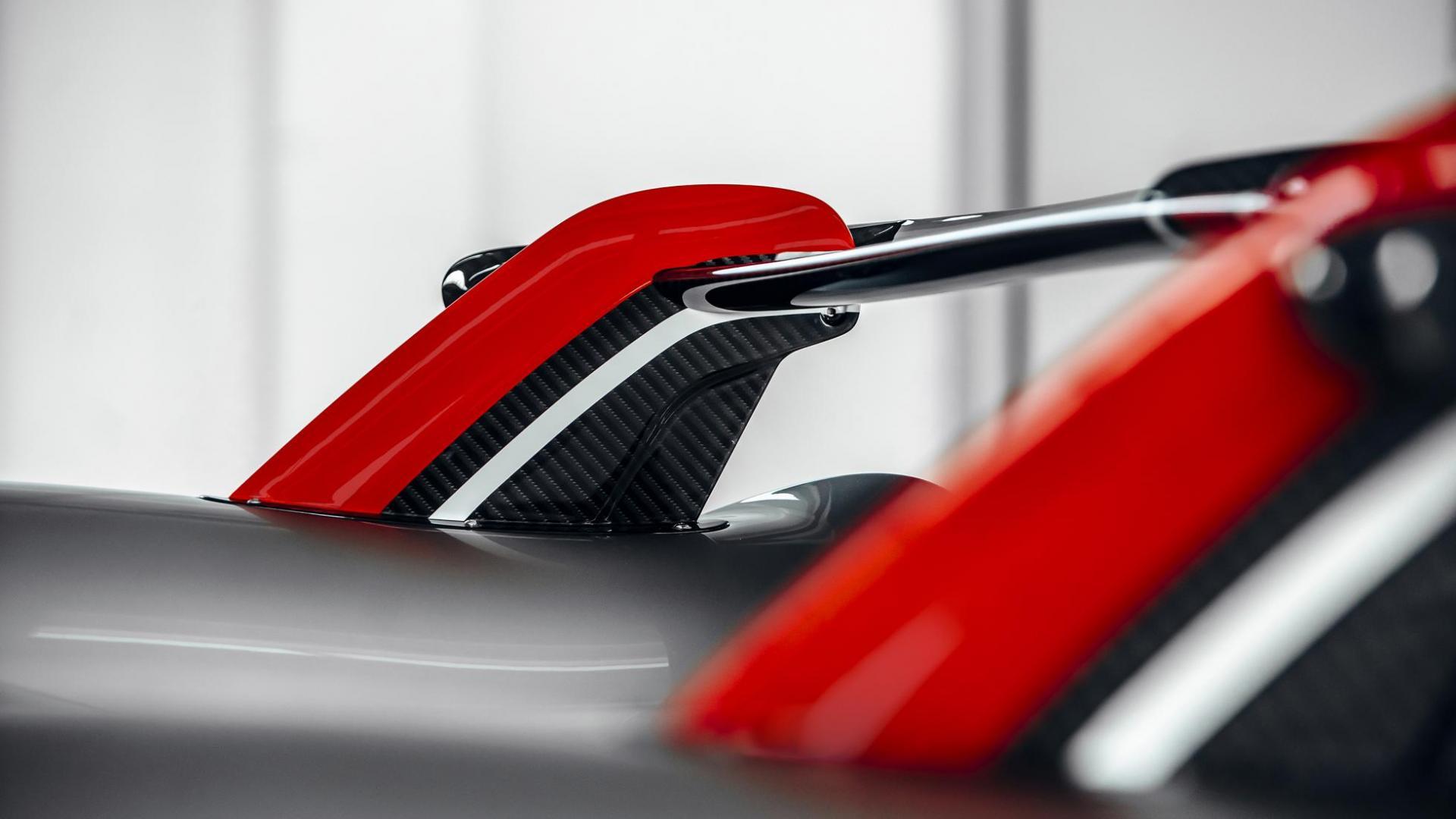 Pagani Huayra Roadster BC V12