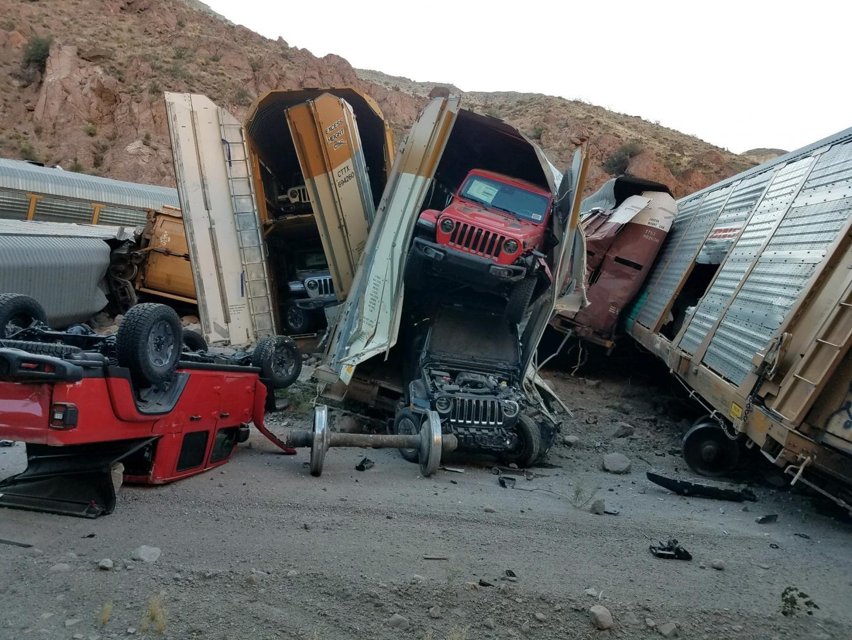 Jeep Gladiators en Wranglers bij ontspoorde trein