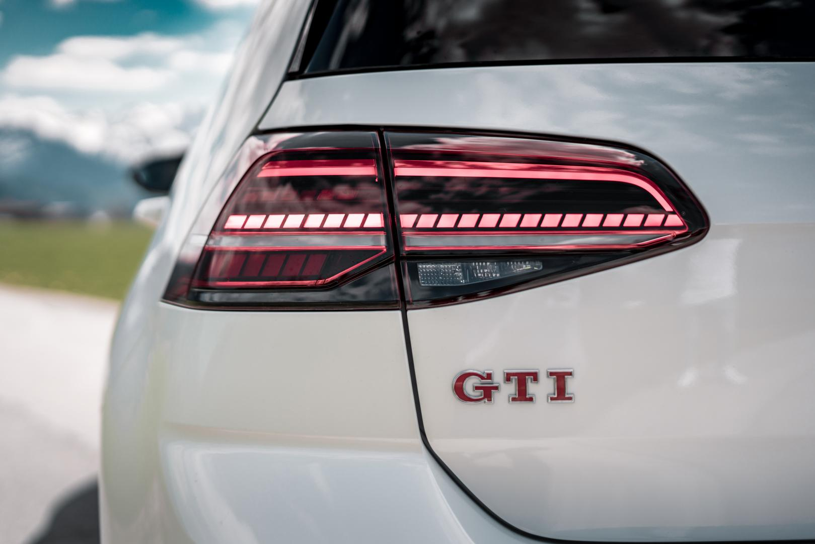Abt Volkswagen Golf GTI TCR achterlicht logo badge