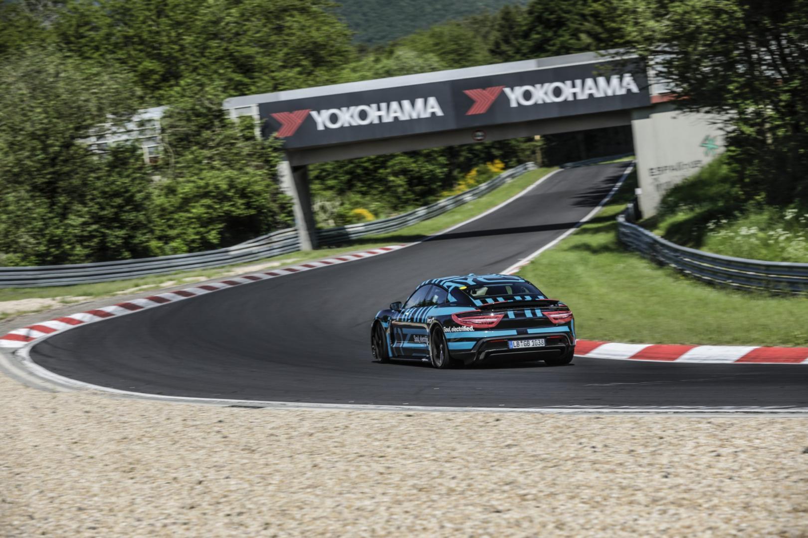 Porsche Taycan snelste vierdeurs EV Ringrecord Nürburgring Nordschleife camouflage