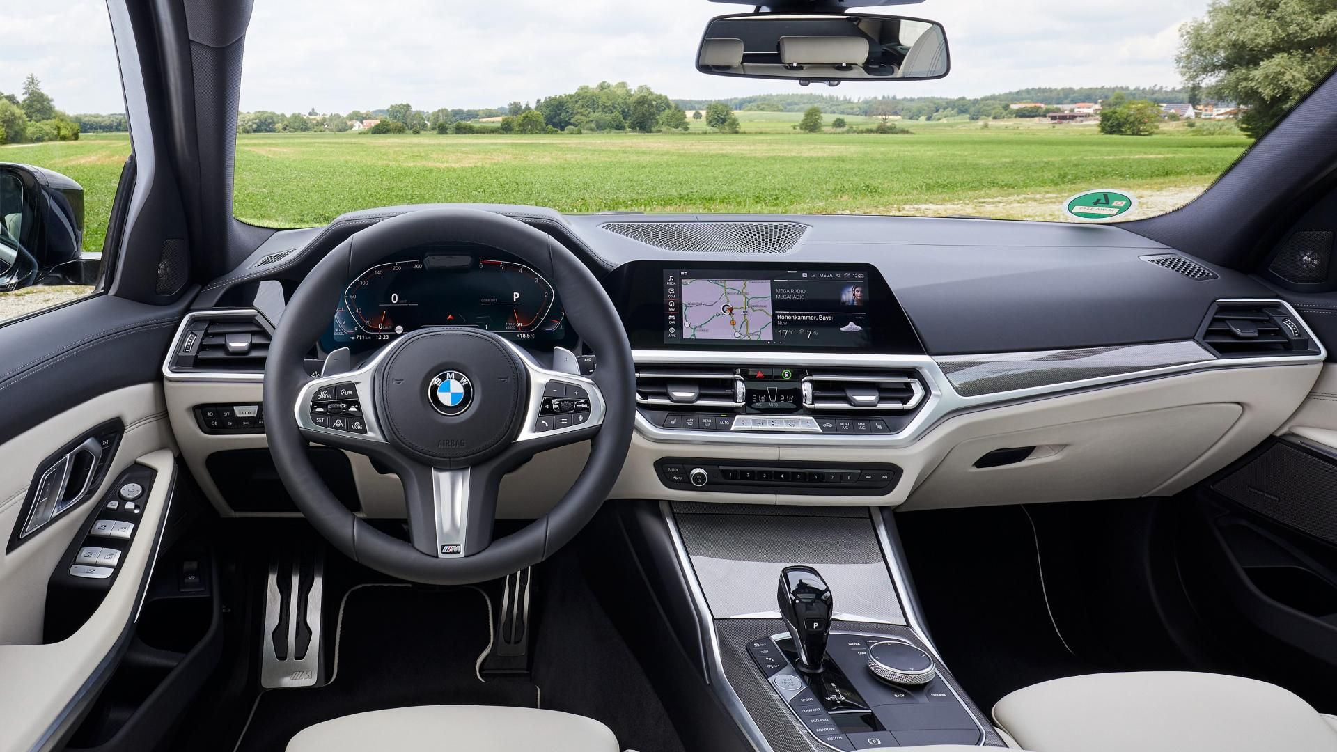 BMW 330d xDrive Touring interieur