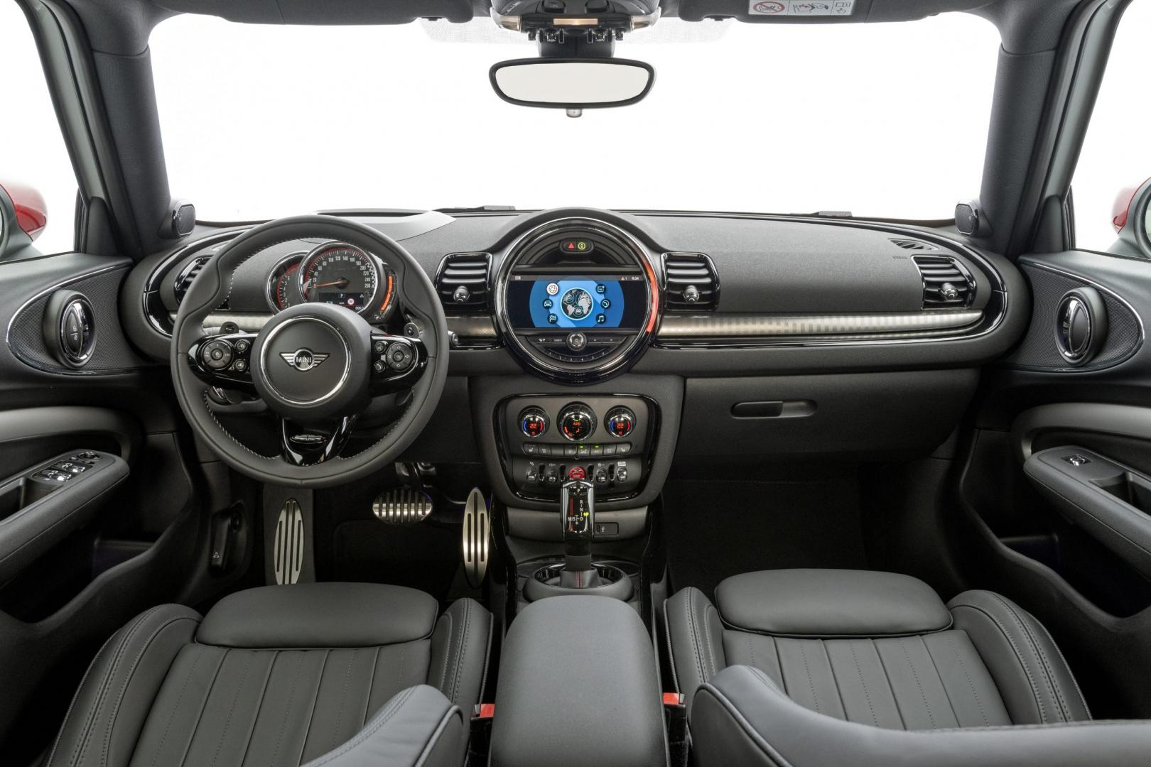 Mini Clubman John Cooper Works All4 interieur dashboard