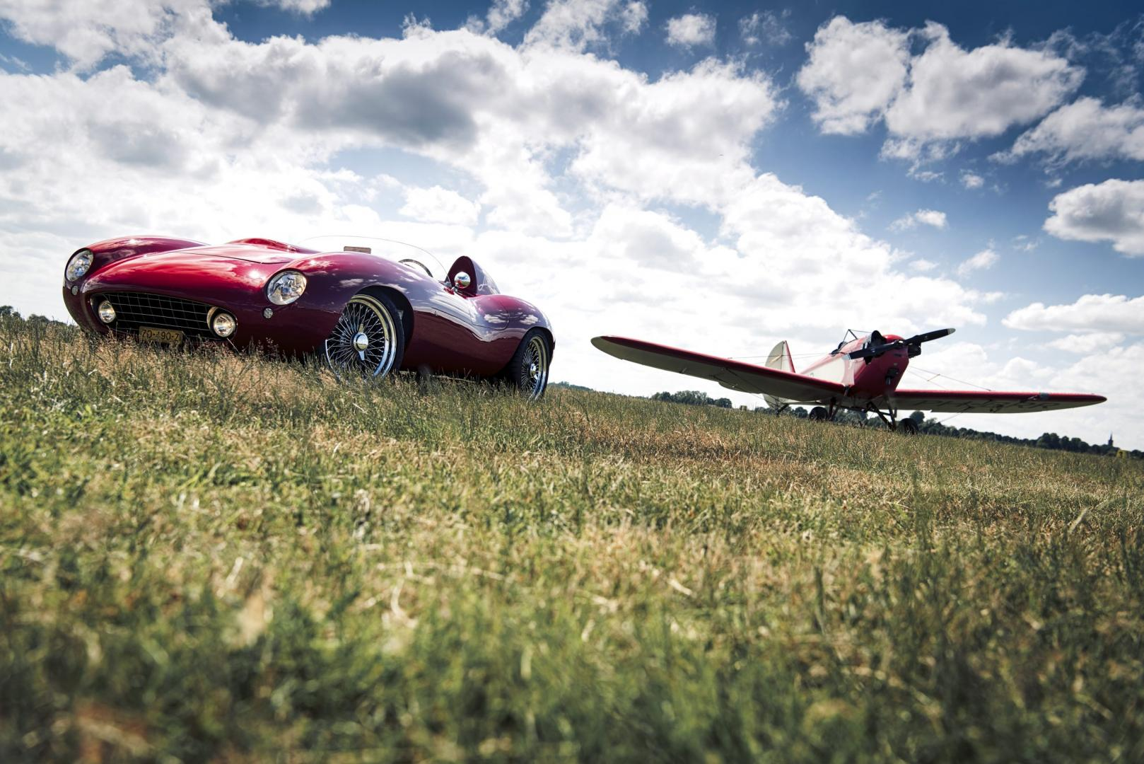 Minotto V12 met vliegtuig