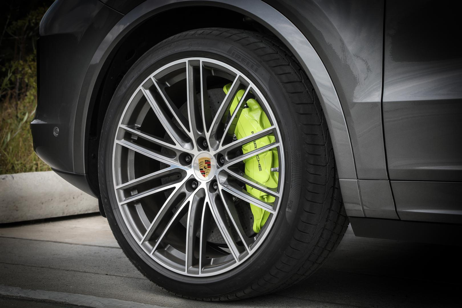 Porsche Cayenne TurPorsche Cayenne Turbo S Coupe Hybridbo S Coupe Hybrid