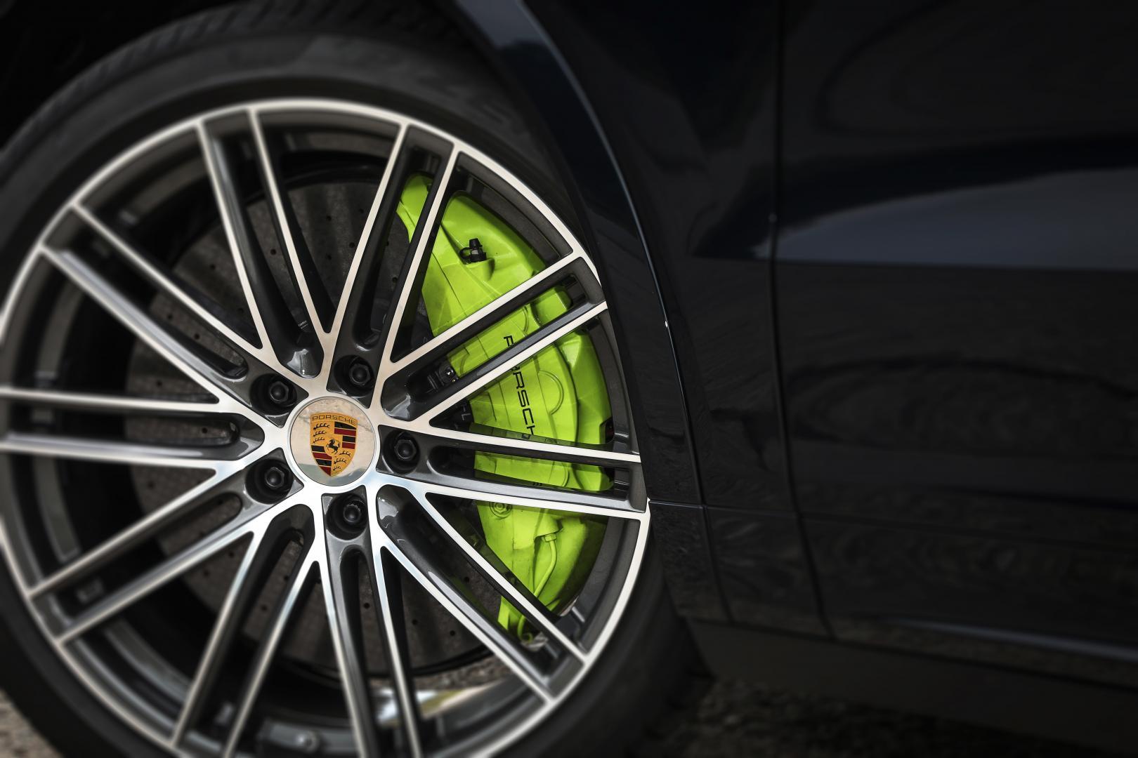 Porsche Cayenne Turbo S E-Hybrid Coupe keramische remmen