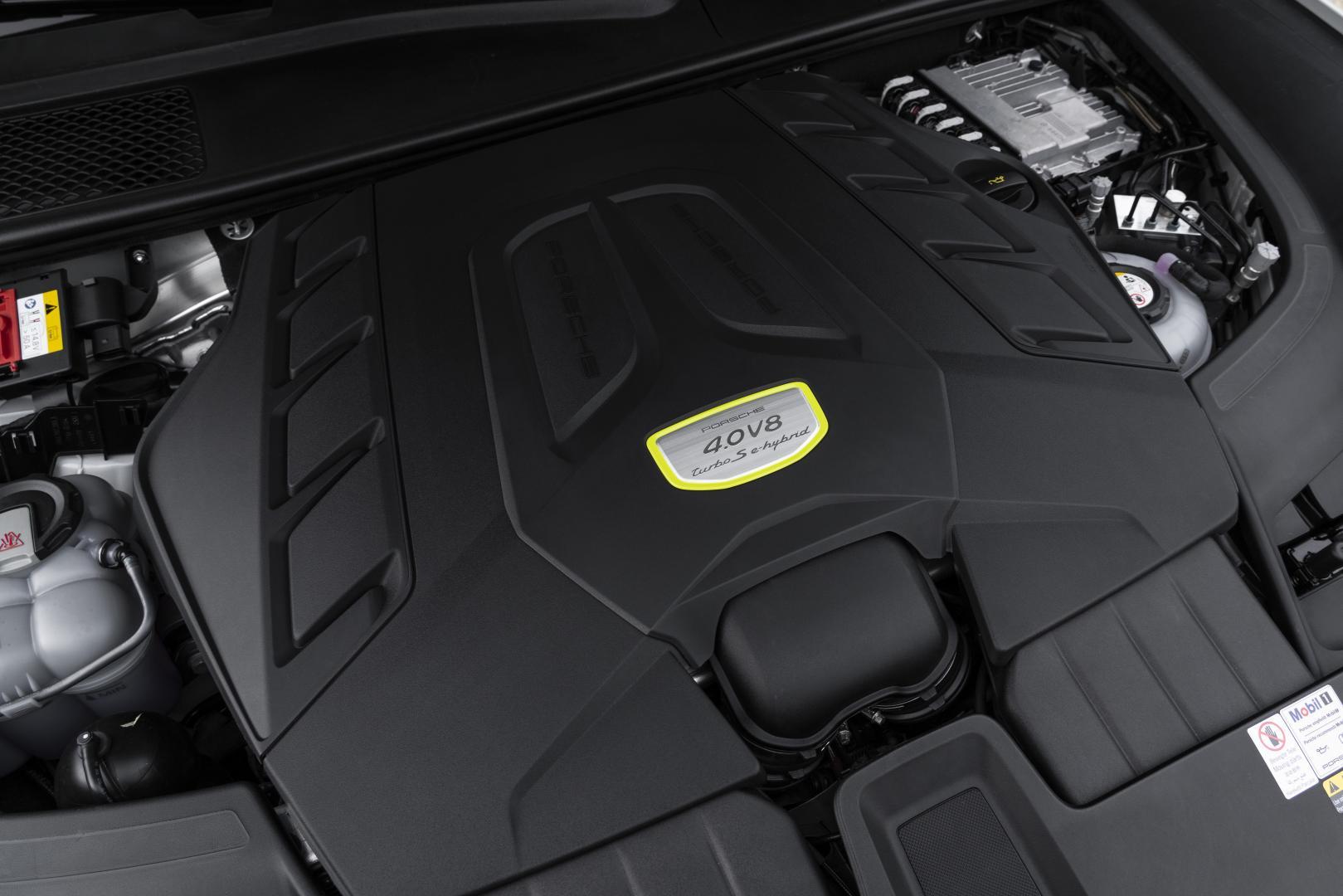 Porsche Cayenne Turbo S E-Hybrid V8