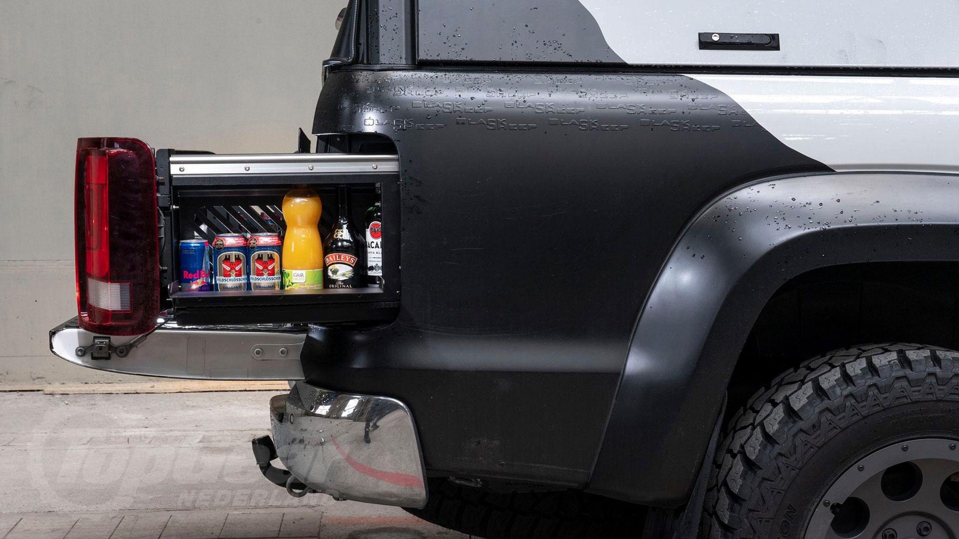 VW Amarok met minibar-achterlichten