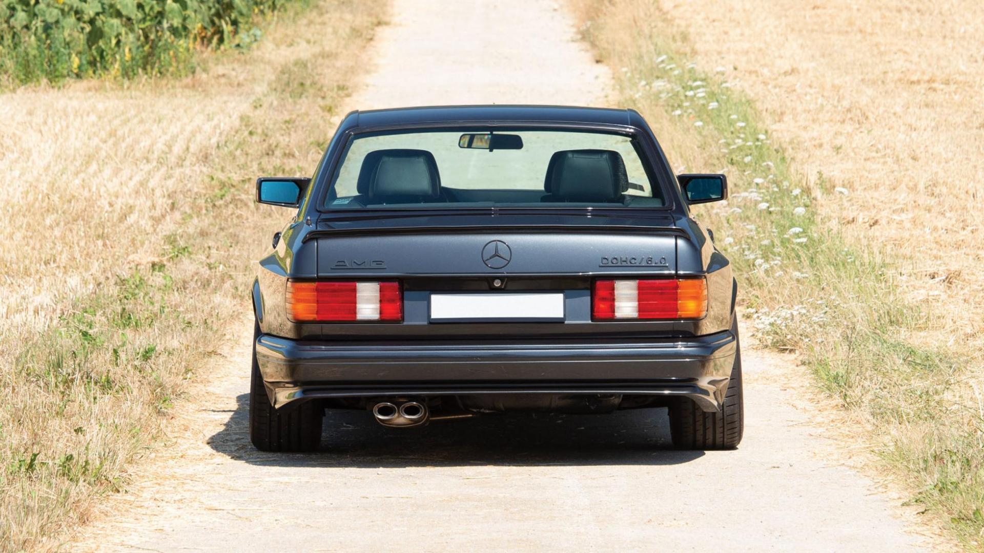 Duistere Mercedes