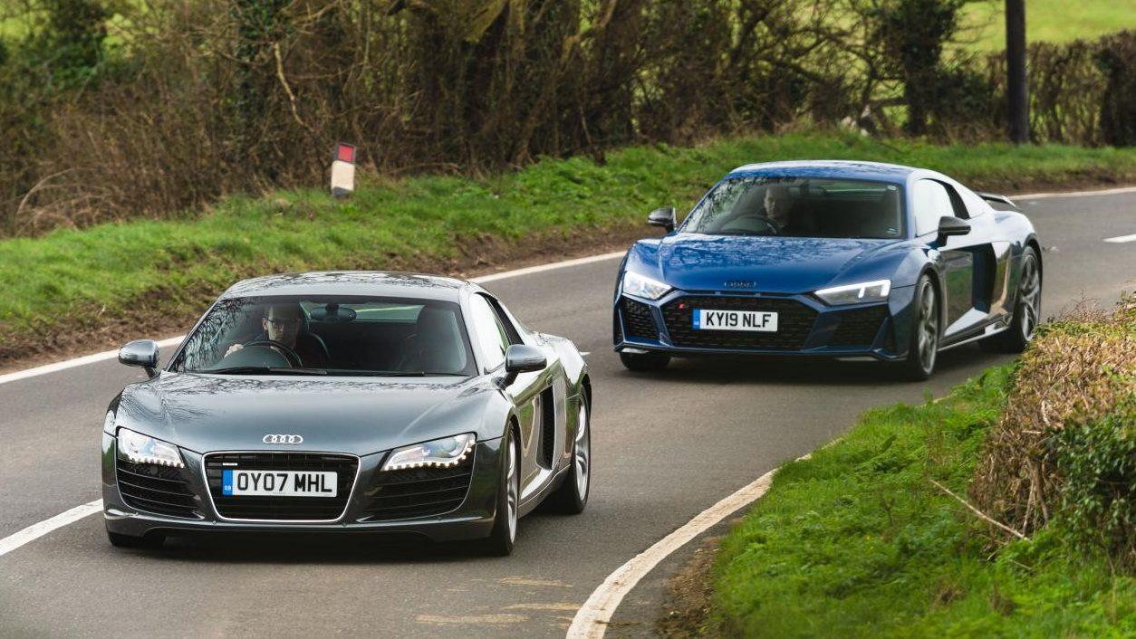 Audi R8 V8 vs V10 voor op weg in bocht
