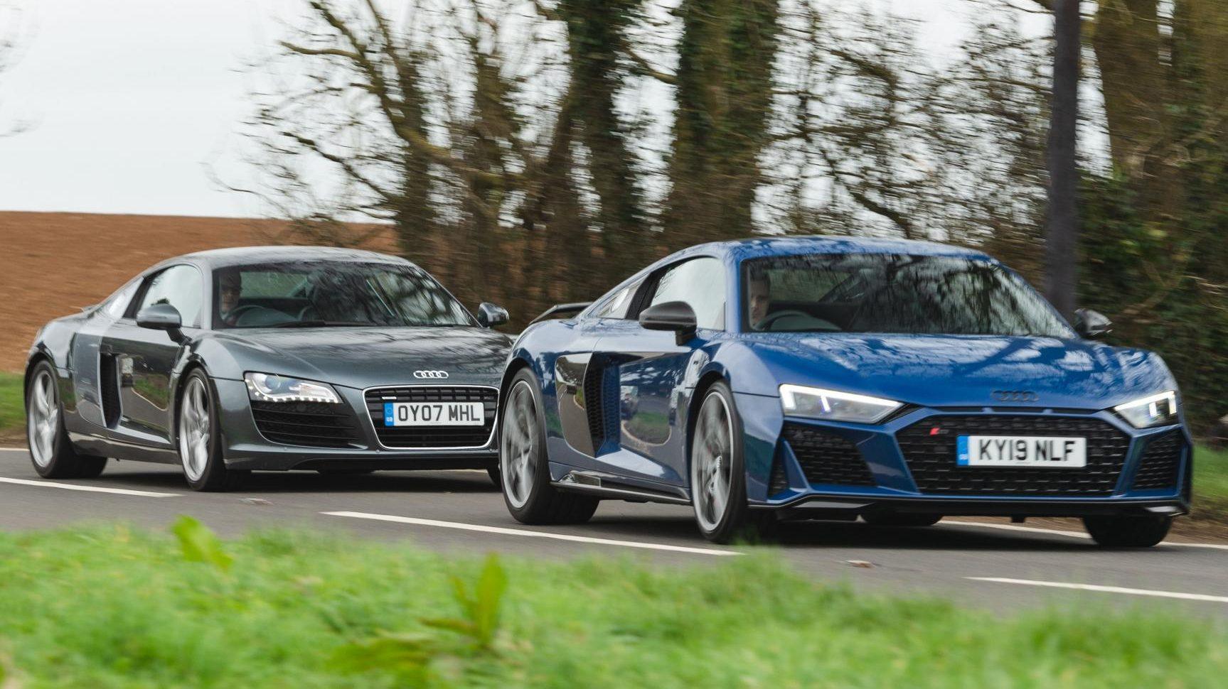 Audi R8 V8 vs V10 links voor op weg