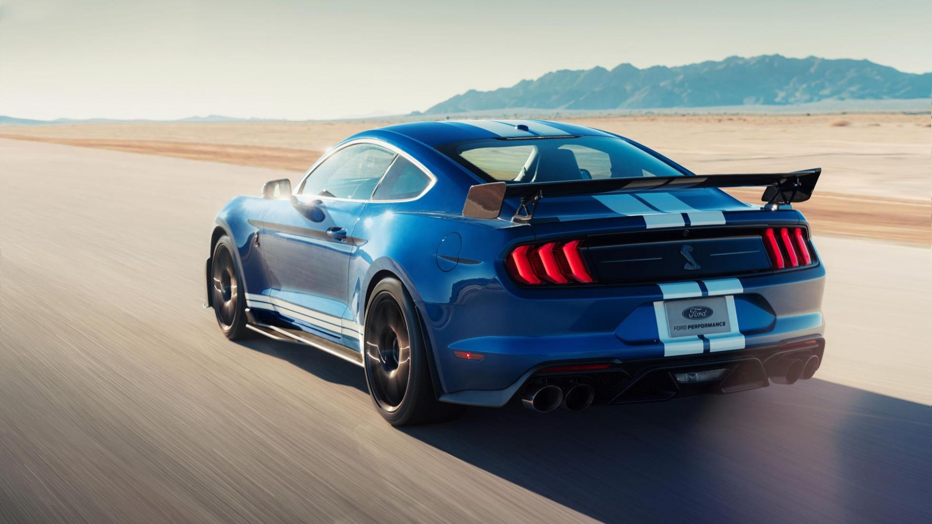 Ford Mustang Shelby GT500 blauw