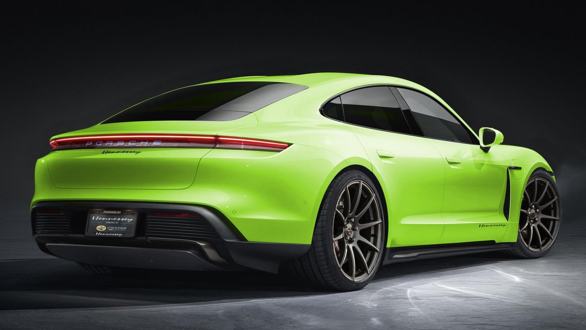 Hennessey Porsche Taycan achter