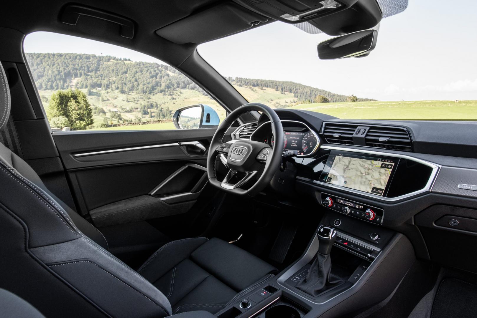 Audi Q3 Sportback 35 TFSI MHEV 2019 interieur dashboard