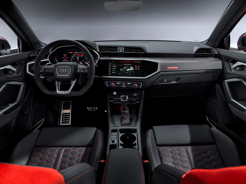 Audi RS Q3 dashboard interieur