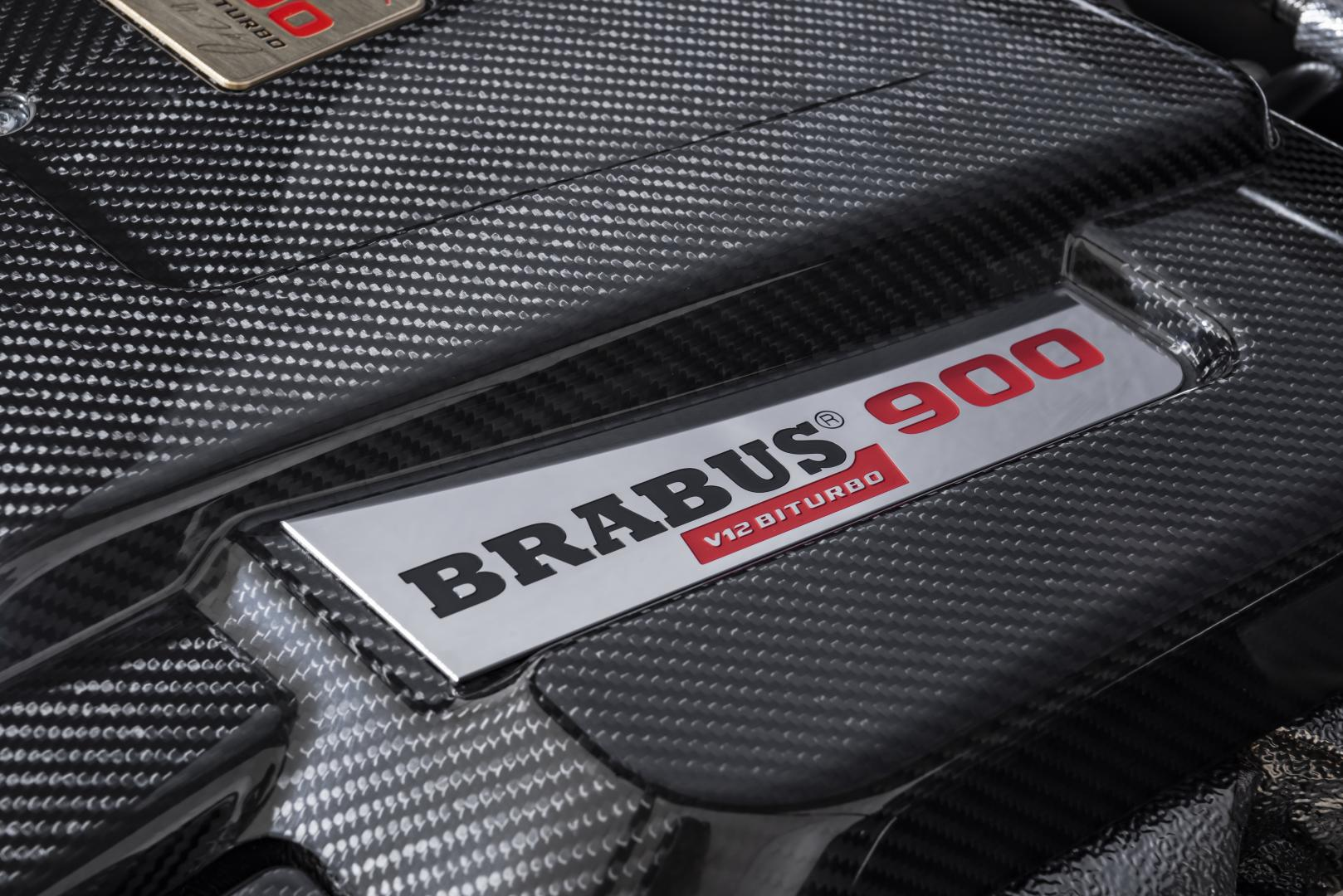 Brabus G V12 900 koolstofvezel motor