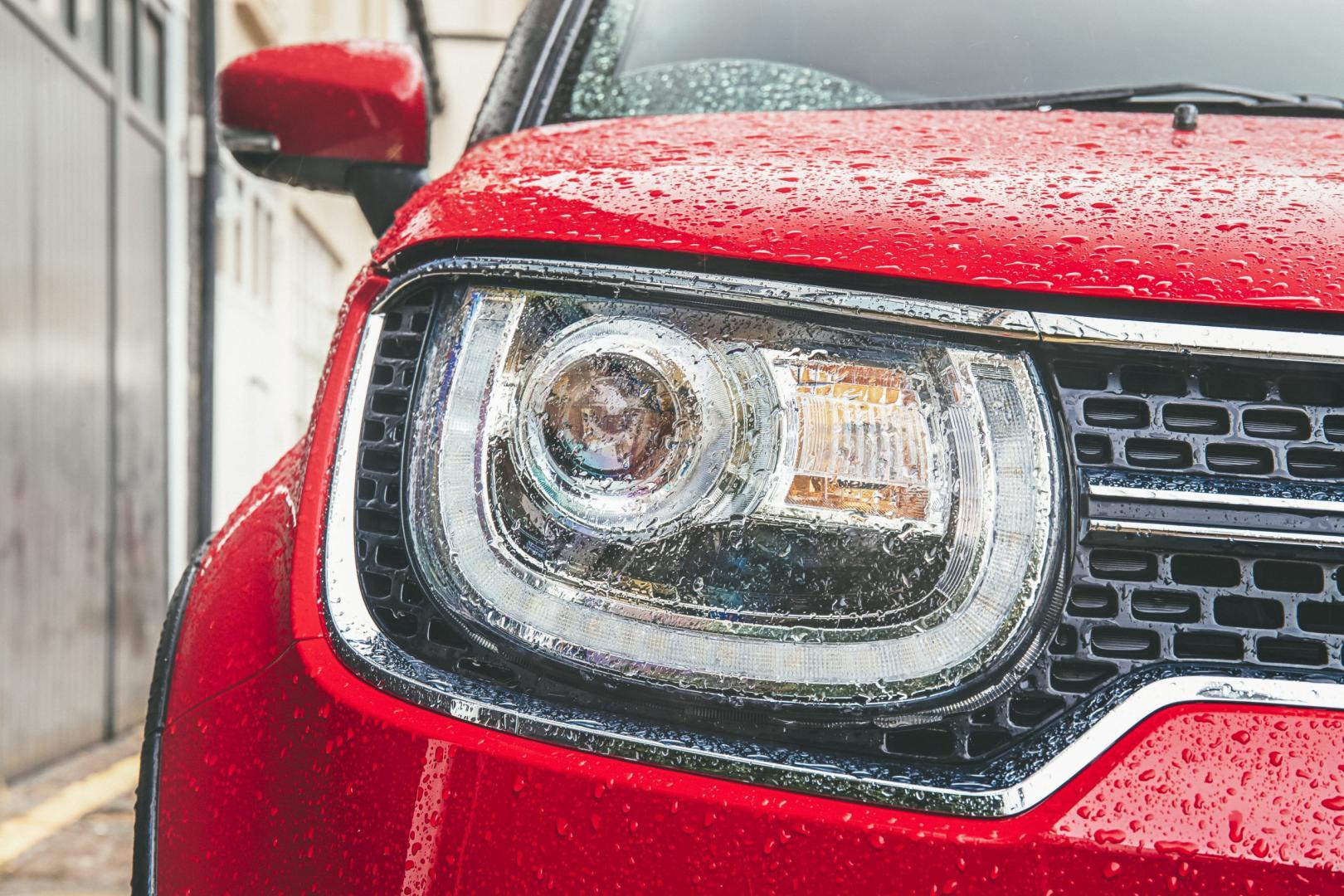Dacia Sandero detail koplamp