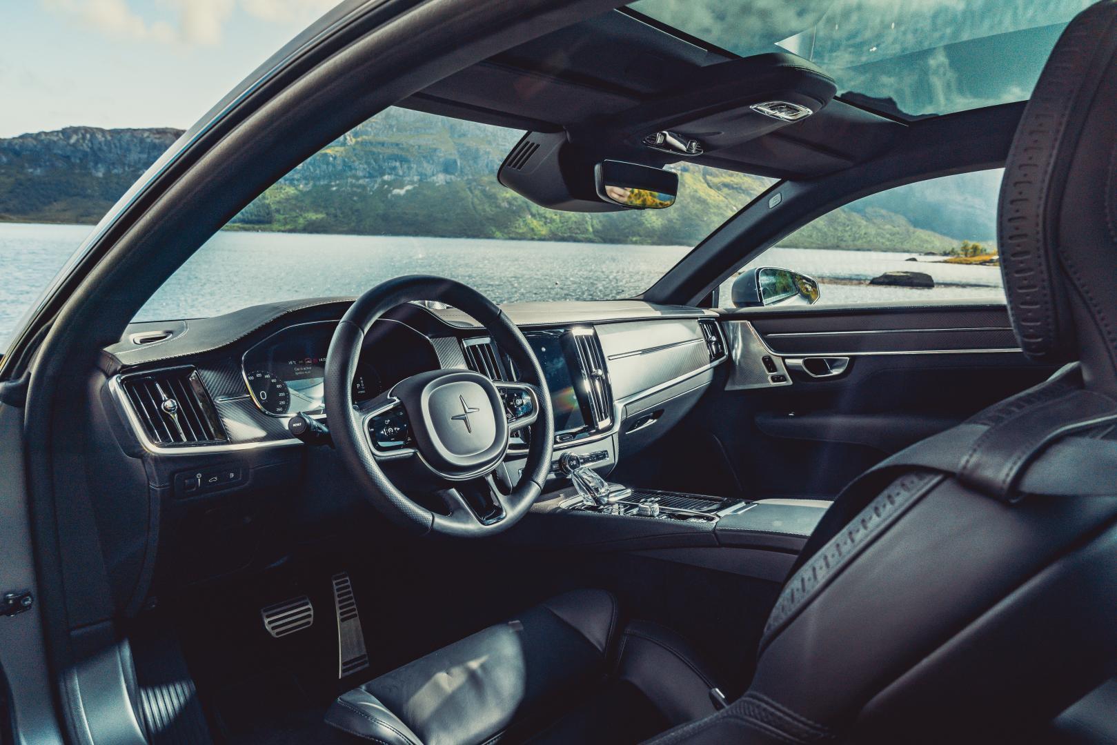 Polestar 1 interieur dashboard bestuurder