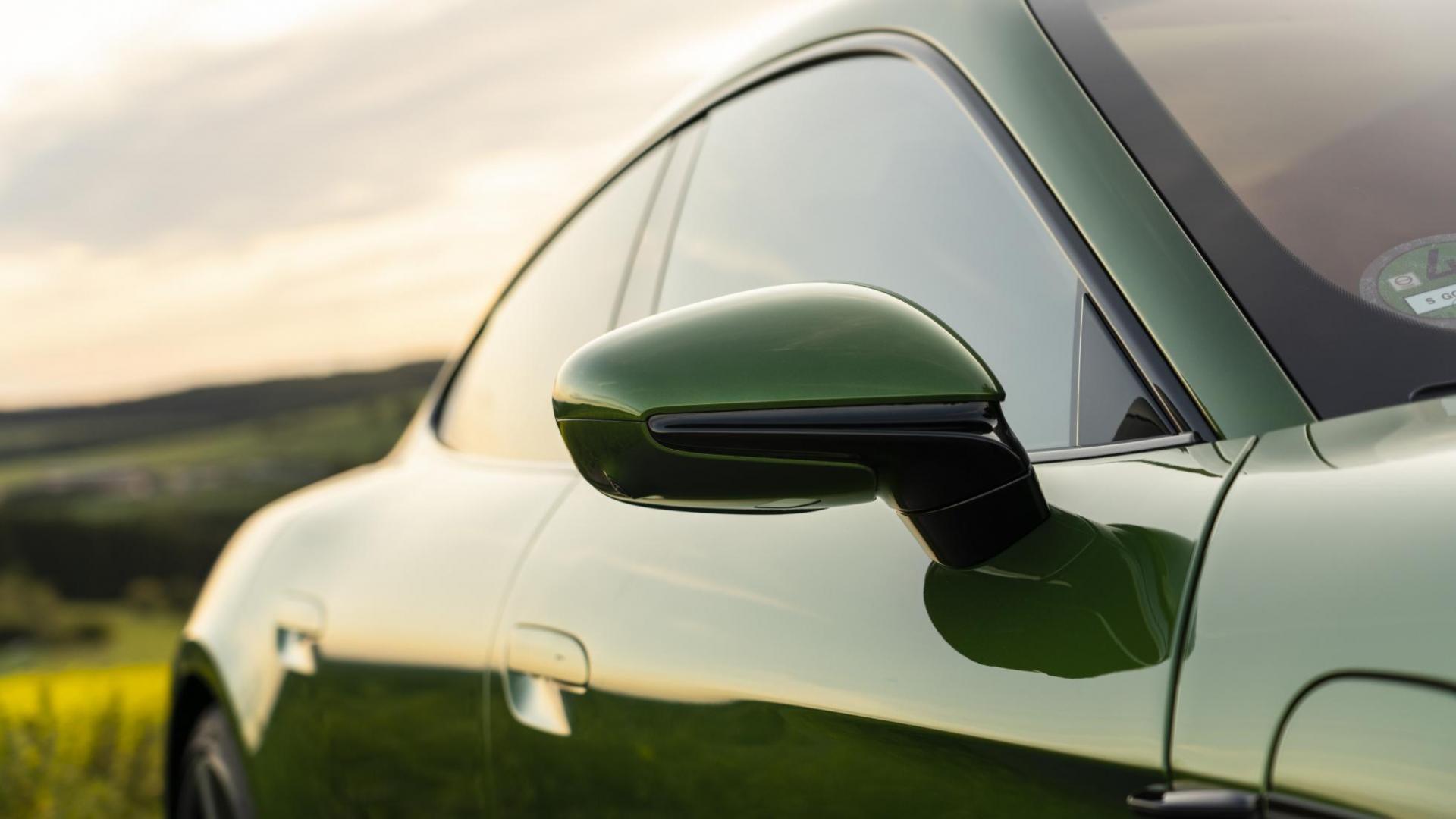Porsche Taycan Turbo S zijspiegel