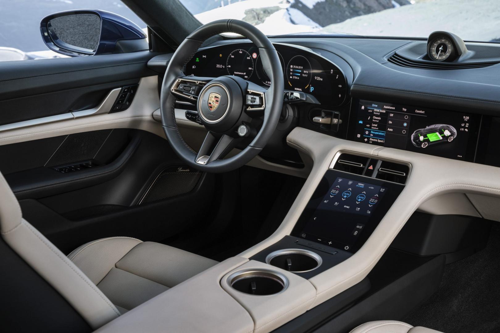 Porsche Taycan Turbo 2019 interieur