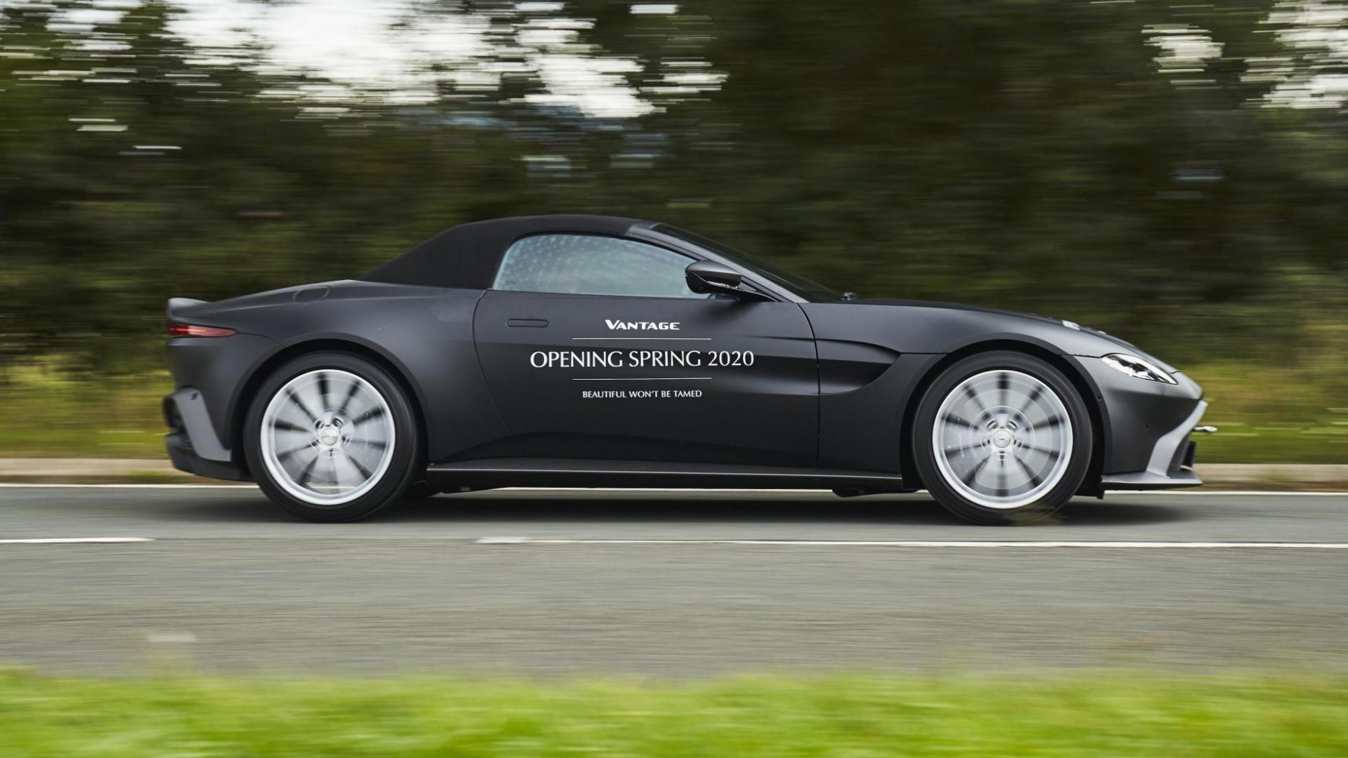 Aston Martin Vantage Roadster V8 2020 rechterzijkant