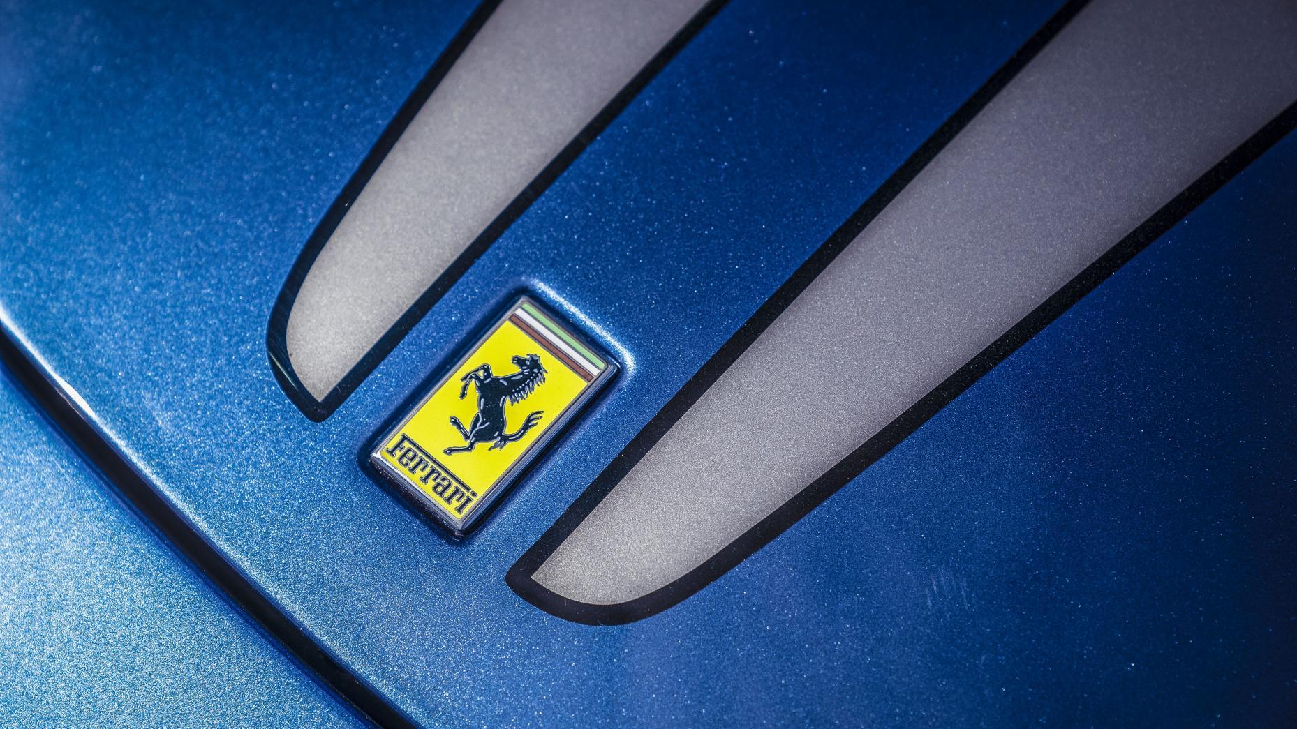 Ferrari 430 Scuderia Ferrari logo