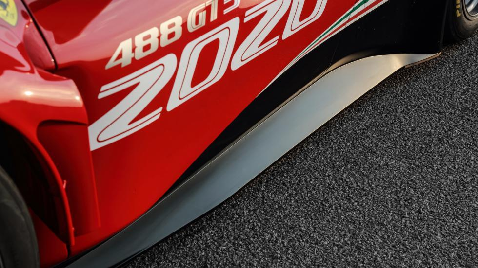 Ferrari 488 EVO detail skirts