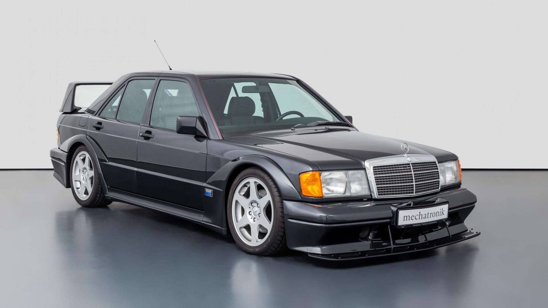 Mercedes 190 E EVO 2 rechtsvoor