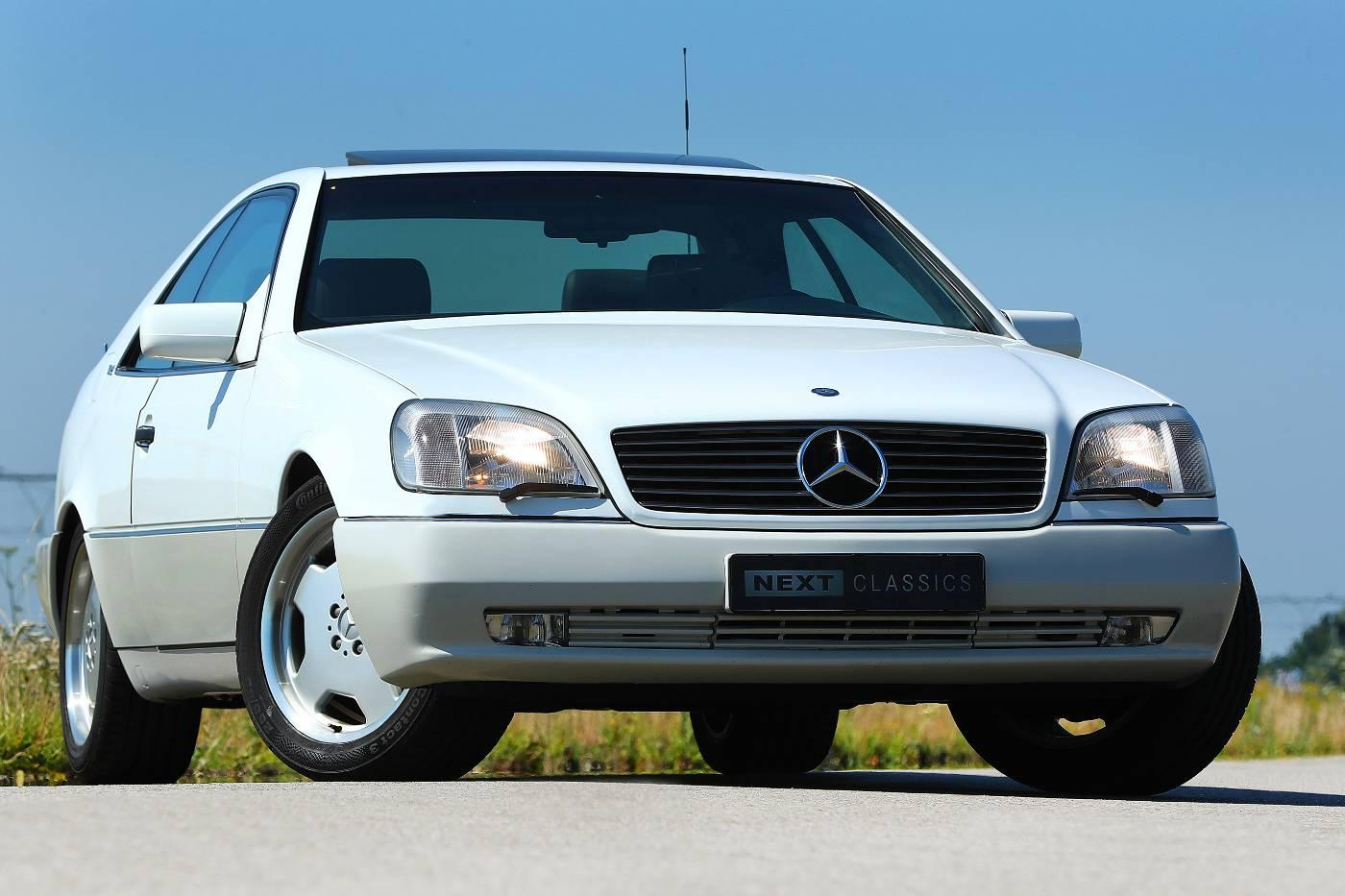 Mercedes S 600 Coupe linksvoor staand