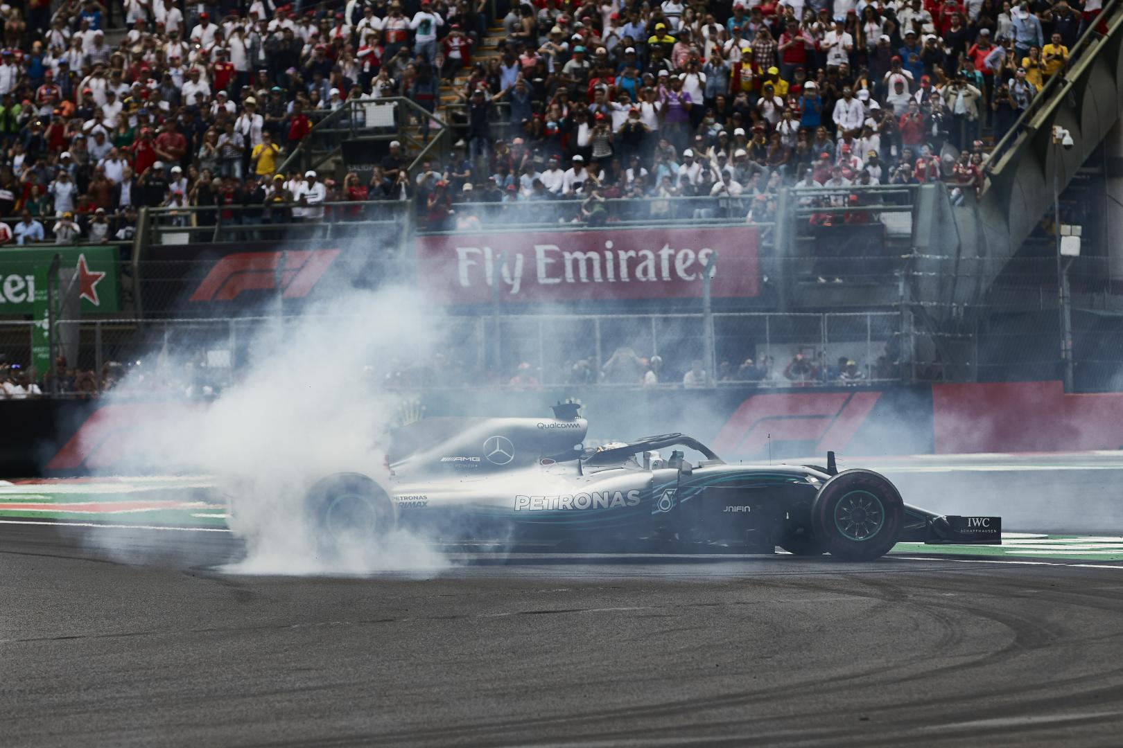 Mercedes W09 burnout